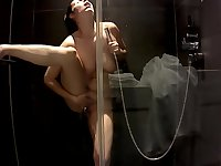 Antonia Sainz in the shower on hotel