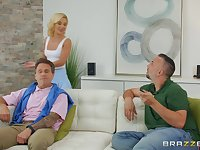 horny blonde Bella Rose spreads her legs for big cock while she screams