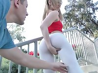 Dude with heavy dick fucks insatiable bitch in yoga pants Moka Mora