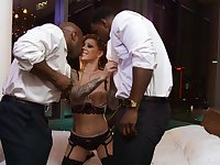 Deep action with two black hunks for the hot lady